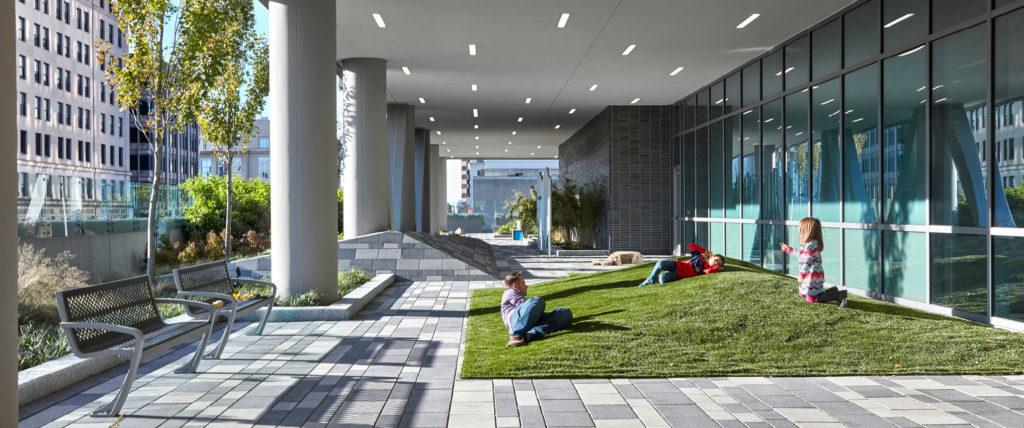 建立联系:设计改善城市生活的医疗建筑设施